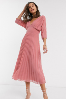 ASOS DESIGN Tall – Plissiertes Midikleid mit Fledermausärmeln in Tea Rose-Rosa