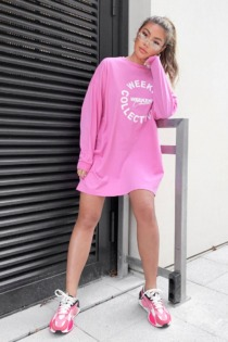 ASOS Weekend Collective – Langärmliges Oversize-T-Shirt-Kleid in Rosa mit 'Weekend Collective'-Logo