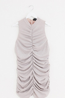 AX Paris Plus – Gerafftes Minikleid in Metallic-Rosa