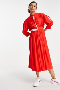 French Connection – Aiden Drape– Midikleid mit Kontrastdetail in Rot