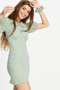 Miss Selfridge – Mini-Bodycon-Kleid mit Kragen in Salbeigrün