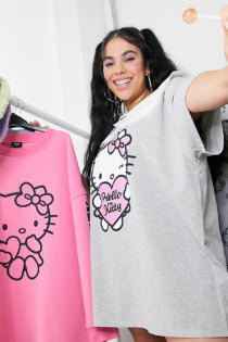 New Girl Order Curve x Hello Kitty – Oversize-T-Shirt-Kleid mit Kontrastkragen im Vintage-Look-Grau