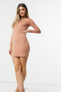 Outrageous Fortune – Exclusive – Langärmliges Minikleid in Camel-Braun