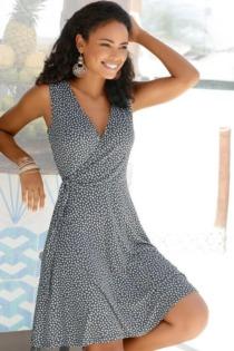 s.Oliver Beachwear Strandkleid, mit zartem Blumenprint